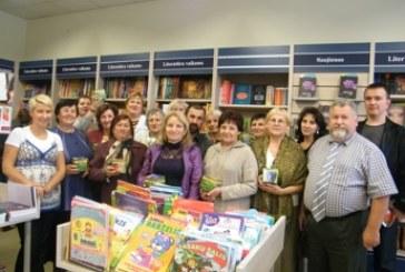"""""""Jacobs"""" ir knygynų tinklo """"Pegasas"""" dovana mokytojams – puodelių pora!"""