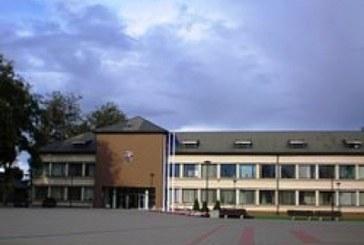 """Taryboje vėl buvo diskutuota """"Revuonos"""" vidurinės mokyklos klausimais bei priimti taupymo sprendimai"""