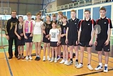 Prienų KKSC badmintonininkai jaunių sporto žaidynėse – komandinėje įskaitoje treti