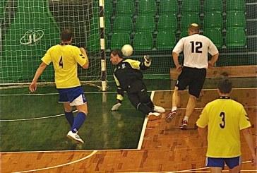 """Ąžuolo"""" futbolininkai sutriuškino varžovus iš Elektrėnų"""