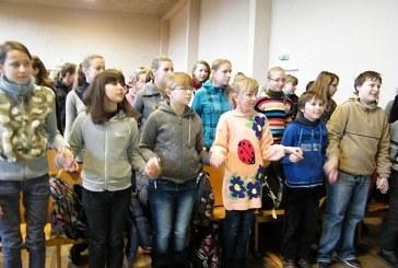 """Pilietiškumo pamoka ,,Atmintis gyva, nes liudija"""" Balbieriškio pagrindinėje mokykloje"""