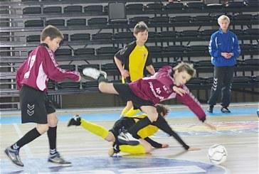 Prienų sporto arenoje debiutavo futbolas