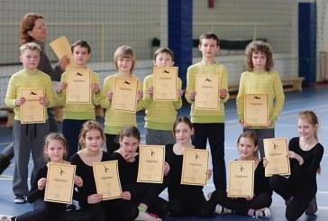 """Mokinių gimnastikos varžybas laimėjo """"Nemuno"""" pradinukai"""