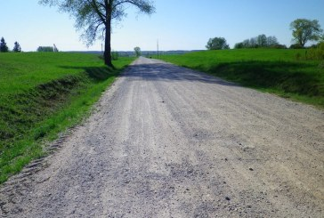 Seniūnijose tvarkomi keliai