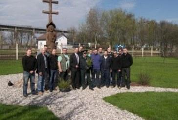 Tarptautinės policijos asociacijos Prienų skyriaus nariai, sodindami medžius, sujungė praeitį su dabartimi