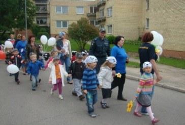 Birštono pareigūnai kartu su mažaisiais bičiuliais paminėjo Tarptautinę vaikų gynimo dieną