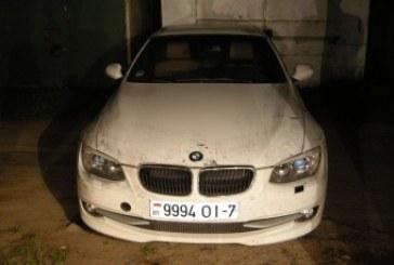 Alytaus policijos pareigūnai ieškojo akcizinių prekių – rado vogtą automobilį