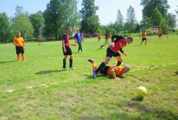 Karštis futbolui – ne kliūtis. Turnyras Kašonyse