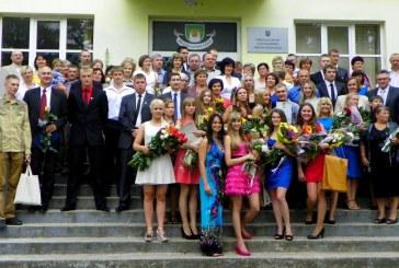 Jiezno gimnazija išlydėjo 64-ąją abiturientų laidą