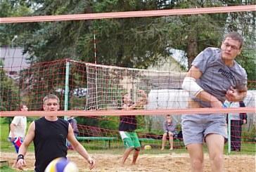 """Paplūdimio tinklinio turnyrą Birštone laimėjo """"Provincijos"""" vyrukai"""