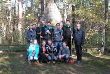 Tvarkėme partizanų kapus