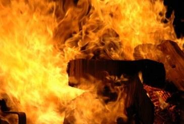 Strazdiškėse sudegė buvusios arklidės