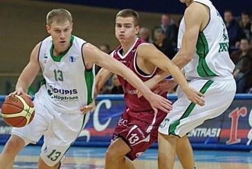 """""""Prienų"""" komanda panaikino 17 taškų deficitą ir laimėjo pirmąsias LKF ketvirtfinalio rungtynes"""