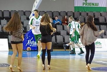 """""""Prienų"""" komanda neturėjo vargo su svečiais iš Jelgavos"""