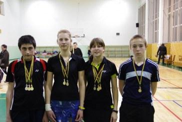 """Balbieriškiečių badmintonininkai """"siautėjo"""" U 15 taurės varžybose"""