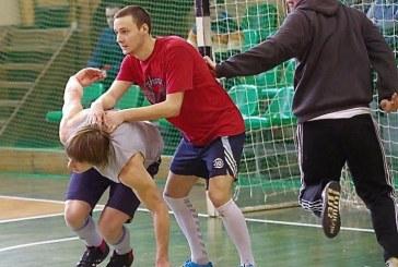 """Atvirų Prienų salės futbolo pirmenybių čempionai – """"Sugrįžę"""" futbolininkai"""