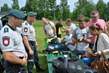 """Šventėje """"Čia visa Lietuva"""" jaunimas dalijosi savo vizijomis apie ateities policiją"""