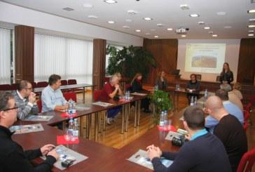 """Birštono savivaldybės merė susitiko su pažintinio turo po Lietuvą """"Balticconnecting 2013"""" dalyviais"""