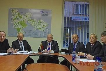 Valdančiųjų spaudos konferencijoje – ramūs samprotavimai apie šilumą ir namų renovaciją bei džiugesys dėl ikimokyklinukų