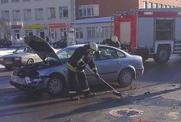 Prienuose įvyko avarija, kurios metu apgadinti 3 automobiliai