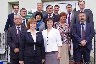 """Tadžikijos Centrinio banko ir Parlamento atstovai lankėsi """"Prienų taupoje"""""""