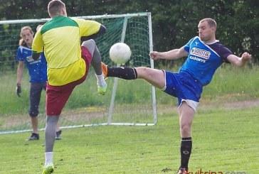 """PFL """"Nemuno"""" čempionate lyderio pozicijoje įsitvirtino """"Ąžuolo"""" futbolininkai"""