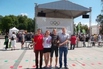 """Olimpinės dienos dalyviai – ir Prienų """"Žiburio"""" gimnazistai"""