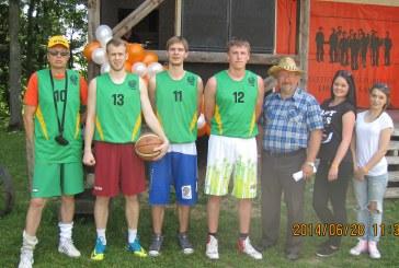 Prienų liberalsąjūdiečiai partijos sąskrydžio krepšinio turnyre – antri