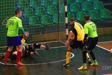 """""""Ąžuolas"""" sėkmingai pradėjo Kauno apskrities salės futbolo senjorų pirmenybes"""