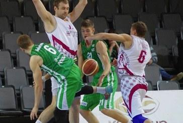 """""""Prienų"""" krepšininkai po didžiosios pertraukos sumindė svečius iš Estijos"""