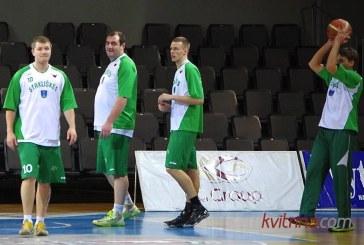"""""""Stakliškių"""" krepšininkai privertė sirgalius pasinervinti, bet įtikinamai įveikė varžovus iš Ukmergės"""