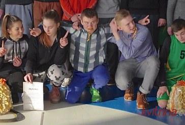 Jauniai ir jaunučiai išsidalino medalius, taures ir šakočius