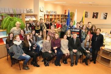 Meilę Lietuvai liudijame savo pavyzdžiu
