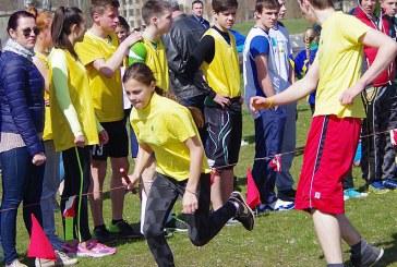 Kroso estafetės varžybose trečiosios vietos likimas sprendėsi finišo tiesiojoje