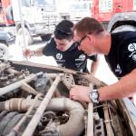 Mechanikai prie automobilio po 8 greičio ruožo finišo_Elijaus Kniežausko nuotr (2)