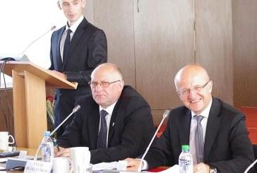 """Mero """"dvigubas"""" balsas nulėmė Kunigiškių ir Klebiškio pradinio ugdymo skyrių ateitį"""