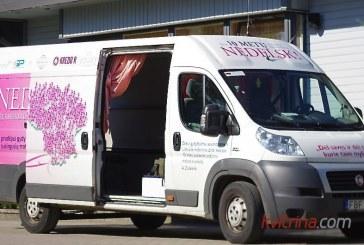 """Į Birštoną buvo atvykęs """"Rožinio kaspino"""" autobusiukas"""