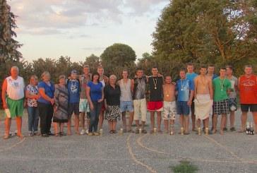 Vyšniūnų bendruomenės jaunimas įrengė paplūdimio tinklinio aikštelę