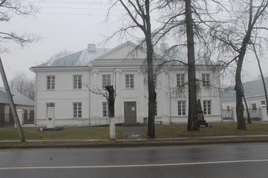 Pato stoties pastatų kompleksas (buvusi Veiverių Mokytojų seminarija)