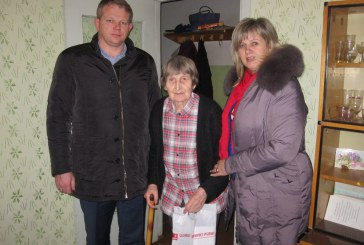 Prieniškiai socialdemokratai dovanojo šilumą ir gerumą savo kraštiečiams