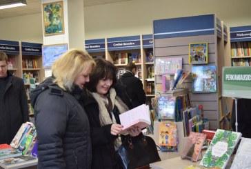 """""""Knygų Kalėdų"""" dovanos Prienų rajono bibliotekoms"""