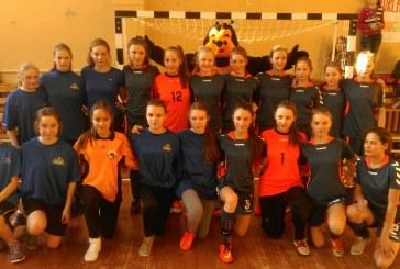 Stakliškių gimnazijos mergaičių futbolo komanda pateko į kitą Lietuvos mokyklų žaidynių etapą