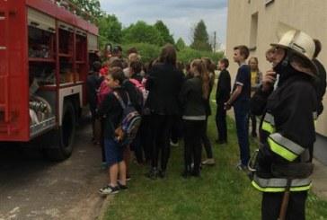Pakuonio pagrindinėje mokykloje – civilinės saugos pratybos