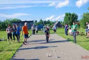 Paprienės bendruomenė bando atgaivinti petankės žaidimą Prienuose