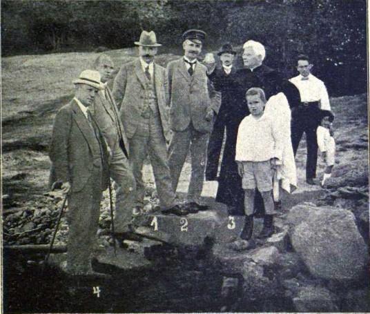 """1922 m prie """"Vytauto"""" saltinio"""