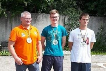Talentas iš Birštono nustebino dar kartą  – tapo Lietuvos petankės rutulių išmušinėjimo čempionu