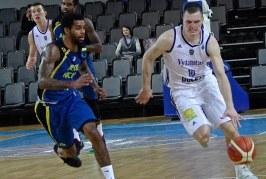 """""""Vytautas"""" chaotiškose rungtynėse įveikė """"Apoel"""" krepšininkus"""