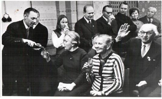 P.Kazlauskas muziejuje su J.Paleckiu