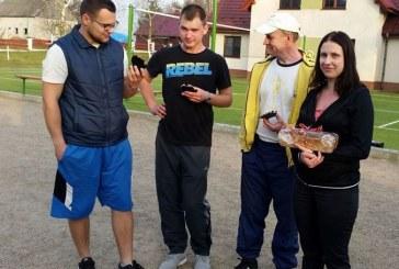 """Birštono """"Šilagėlės"""" petankės komanda iš Lenkijos grįžo su aukso ir bronzos apdovanojimais"""