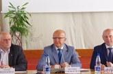 Prienų rajono Savivaldybės taryboje – biudžetinių įstaigų ataskaitos, leidimai pirkti automobilius, daug diskusijų ir sprendimo dėl išlaidų kompensavimo seniūnaičiams atmetimas